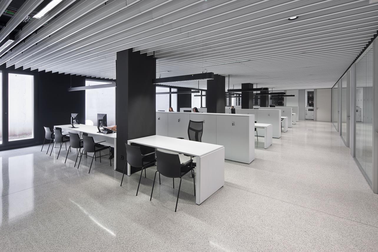 FEUN UNAV Fundación empresa Universidad de Navarra Arquitectura administrativa Otxotorena arquitectos 02